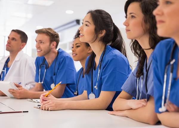 bằng đại học y dược đỏ nước ngoài cấp phải học bổ sung kiến thức mới được hành nghề tại việt nam