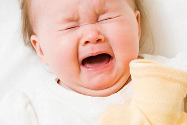 Đại tiện ra máu ở trẻ em là biểu hiện của bệnh lồng ruột