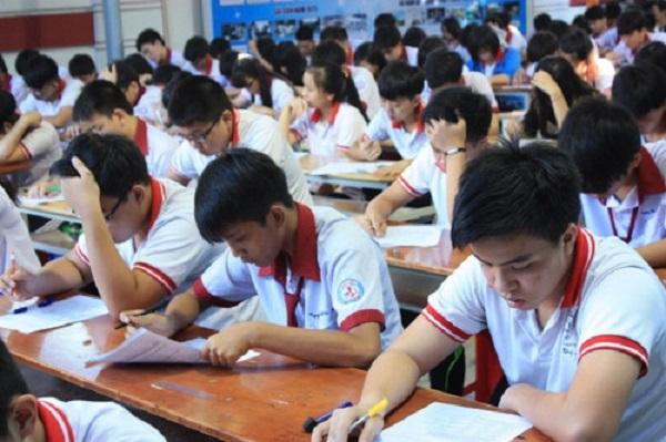 Đề thi năm nay có thể dễ hơn nhưng không vì thế mà các em học sinh chủ quan