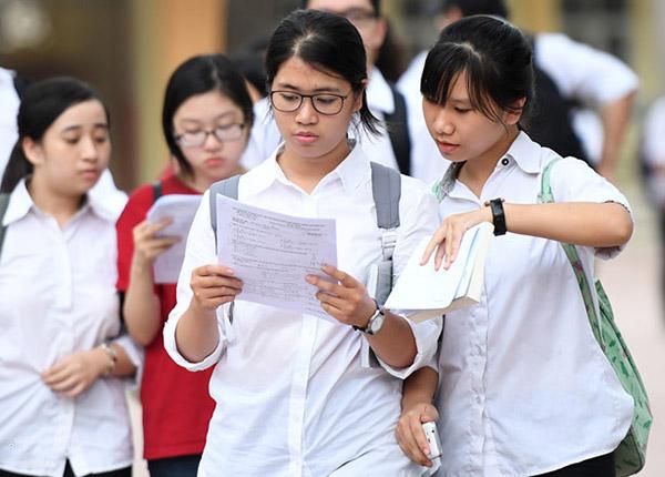 Học sinh tham gia tư vấn tuyển sinh năm 2019 tại TPHCM