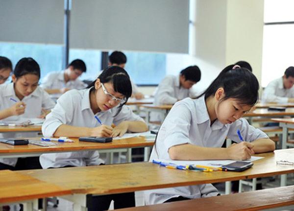 Học sinh lớp 12 tham dự kỳ thi thpt quốc gia năm 2018