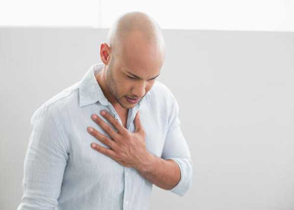 Có nhiều yếu tố nguy cơ gây hình thành kén khí phổi