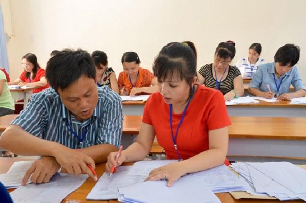 Giáo viên tham gia chấm bài thi tự luận thpt quốc gia