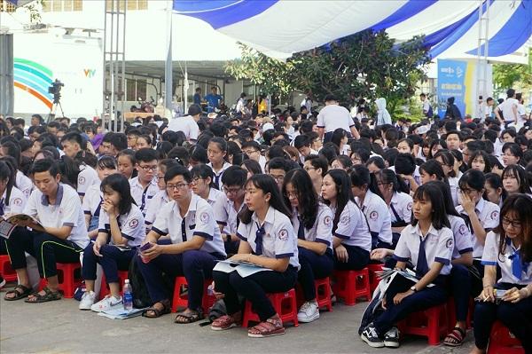Học sinh tham gia tư vấn tuyển sinh năm 2019 tại Bạc Liêu