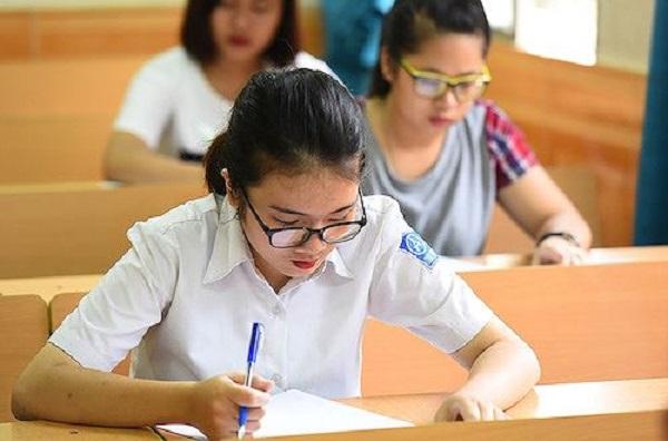 Thí sinh làm bài thi THPT quốc gia