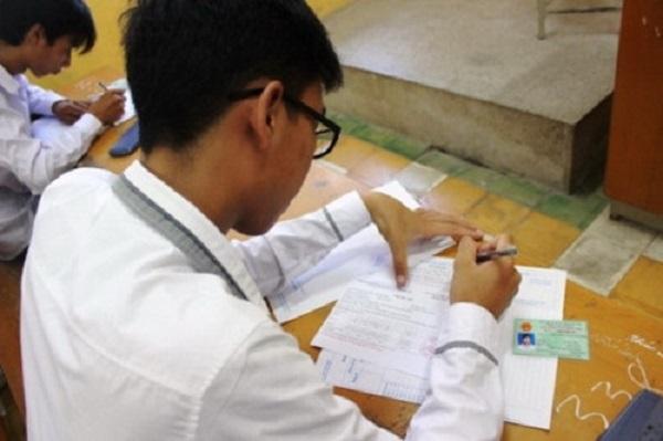 Trải qua 4 ngày đầu tiên tại 1 số trường ở Hà Nội vẫn chưa thấy học sinh nộp hồ sơ.
