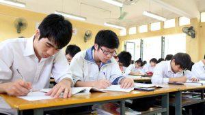 Học sinh tiến hành thi thử thpt quốc gia năm 2019