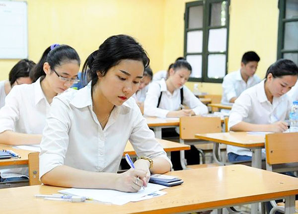Khi làm bài thi thí sinh cần tập trung những câu hỏi dễ làm trước, khó làm sau
