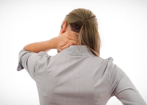 Đau dây chằng cổ gây ảnh hưởng lớn đến sinh hoạt của bệnh nhân (ảnh minh họa)