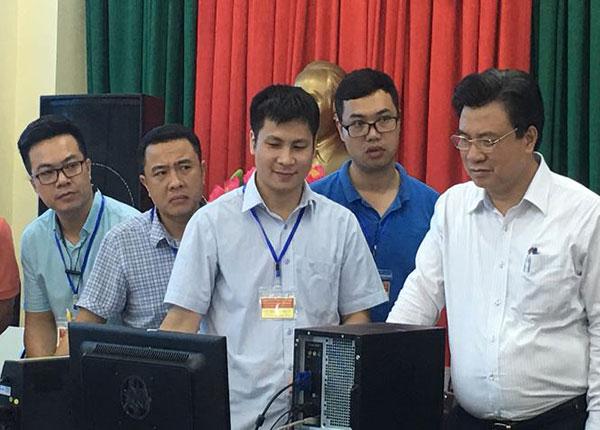 Thứ trưởng Bộ GD&ĐT Nguyễn Hữu Độ đã có mặt tại Hội đồng chấm thi Thái Bình