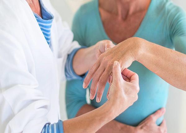 Bệnh nhân cần đi khám bác sĩ sớm nhất nếu xuất hiện bất cứ các dấu hiệu của bệnh