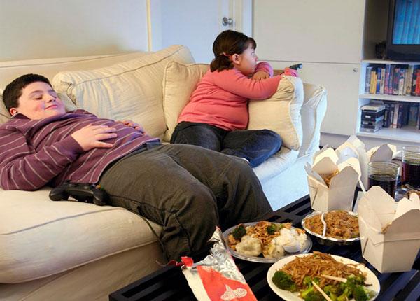 Có nhiều nguyên nhân gấy ra tình trạng béo phì ở trẻ em