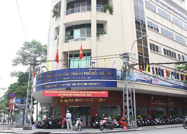 Đại học Ngân hàng TPHCM thông báo điểm nhận hồ sơ xét tuyển vào trường