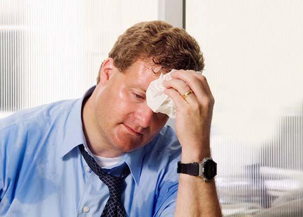 Các vùng đổ mồ hôi trên cơ thể thường là vùng đầu, mặt, lòng bàn tay, nách, thân và lòng bàn chân