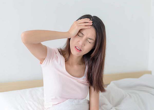 Đau đầu từng cụm là những cơn đau xảy ra theo kiểu chu kì hoặc từng cụm