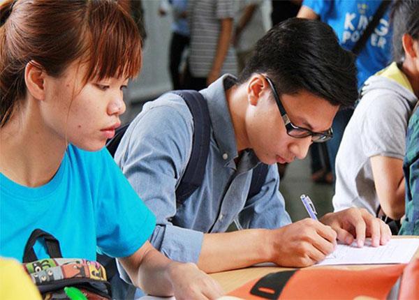 Những trường ĐH ngoài công lập gặp khó khăn trong việc tuyển sinh