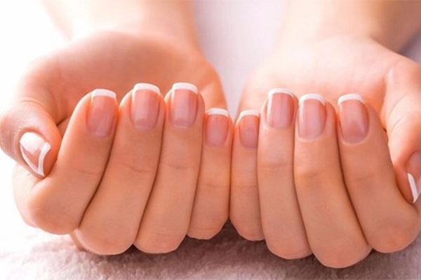 Những dấu hiệu trên móng tay có thể biết được bạn mắc bệnh gì