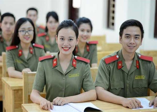 Tăng cường lựa chọn sinh viên tốt nghiệp ở các trường ĐH khác về đào tạo