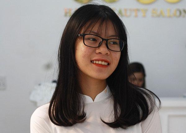 Đàm Thị Hương Giang, tân sinh viên trường ĐH Kinh tế Quốc dân mồ côi cả cha lẫn mẹ