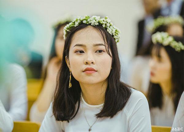 Nguyễn Thị Hồng Nhung là cựu học sinh trường THPT Chuyên Biên Hòa, tỉnh Hà Nam
