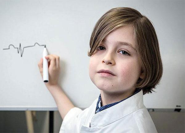 Laurent - Cậu bé 9 tuổi đã tốt nghiệp Đại học