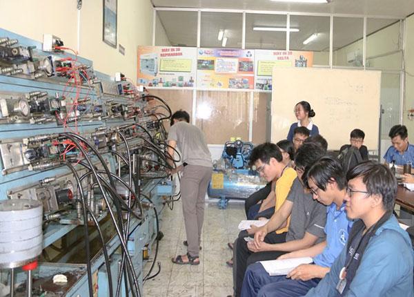 Sinh viên Trường Đại học Bách khoa TPHCM
